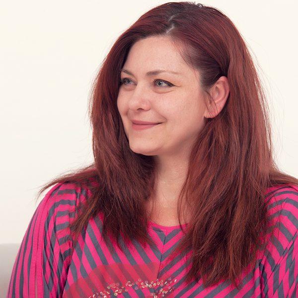 Έλενα Μπεκιάρη contract manager